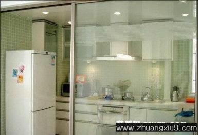 家庭室内装修设计图片之厨房装修图片:滑动门中户型厨房实