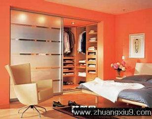 家庭室内装修设计图片之衣帽间装修图片:透明衣柜装修实景