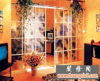 巧用玻璃墙 在家里充分享受浪漫通透的日光浴